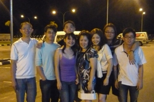 die die wanna take photo oso... at the parking lot...