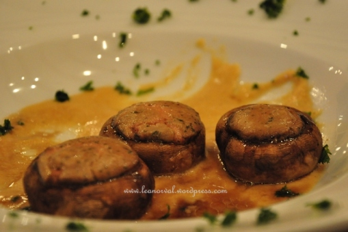 some stuffed mushroom. quite nice aei...