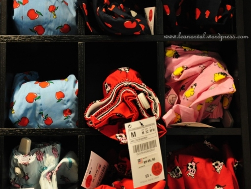 which one would you choose guys? apple? heart-shape? cow? piggie? or the yellow bird? hehehe....