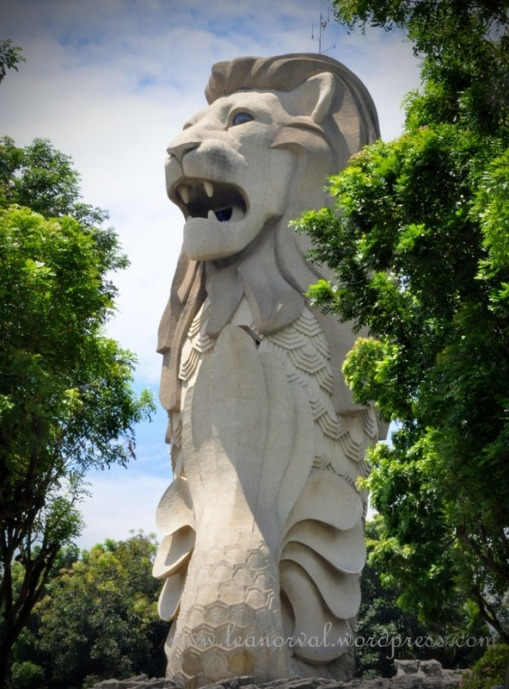the arrogant Merlion!!