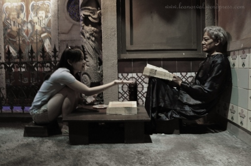 the fortune teller at the kaki lima