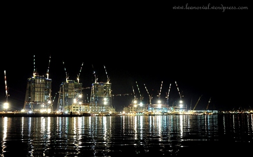 the busy harbour/ port. busy even at night. a fren said they looked like robots!! haha!!