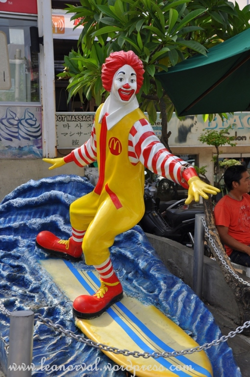 see... even Mr. Ronald McDonald surfs in Bali!!