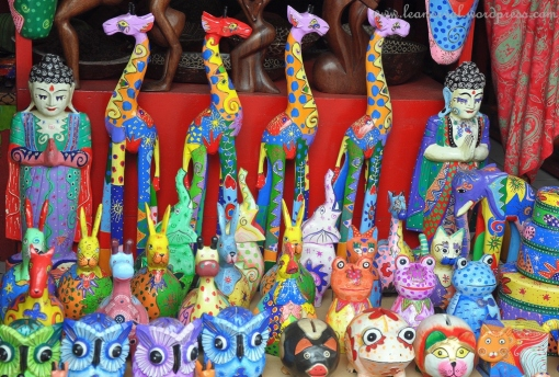 wood crafts... giraffes!!! colourful giraffes were in my shopping list but then forgot to buy T_T