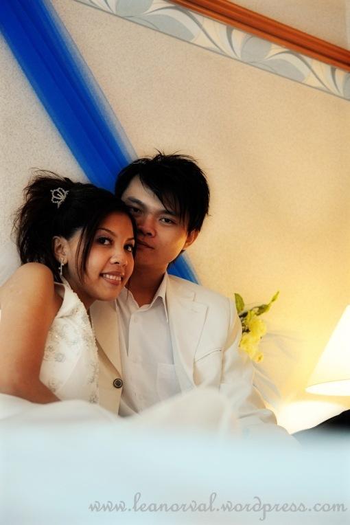 i feel like LOL on this.... i am so amateur but wth! i love the couple!